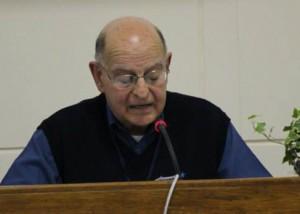 Brother Álvaro addresses delegates.